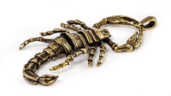 Изображение бронзового скорпиона