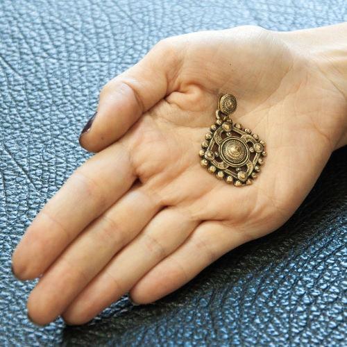 Символ рода - фото на руке