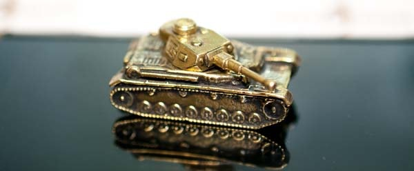 Бронзовая модель танка
