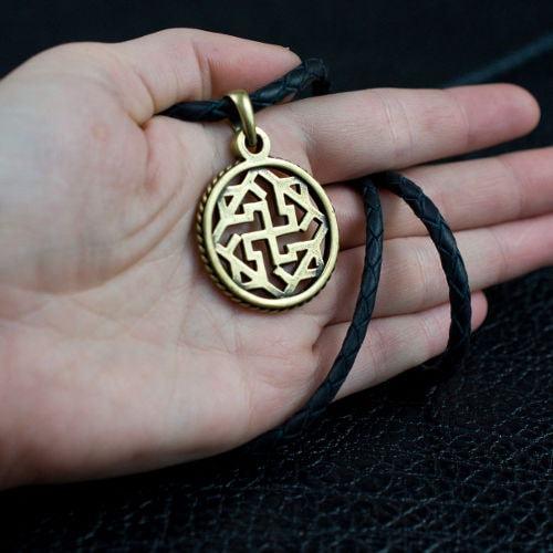Символ Валькирия - фотография сбоку