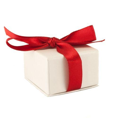 Подарочная упаковка Футляр картонный  с лентой Красная 39х39х16 мм RH_92701-min.jpg